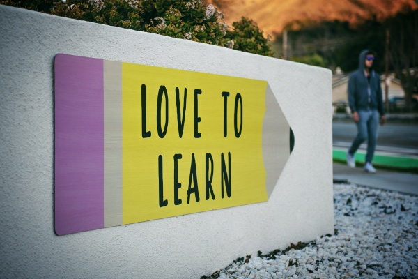 Love to learn sign on university